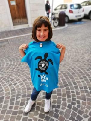 Da oggi in vendita la maglietta della tartaruga Luciana