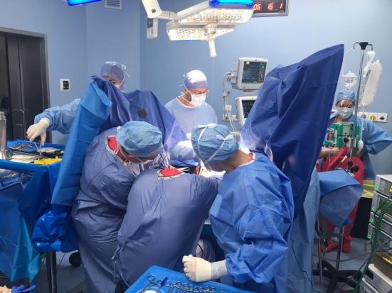 È stato eseguito il primo intervento per un tumore all'esofago con il Robot Da Vinci e i risultati sono straordinari