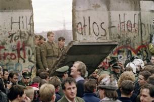Il centrodestra presenta un ODG in consiglio comunale per ricordare la caduta del Muro di Berlino, ma si astiene da quello in Provincia