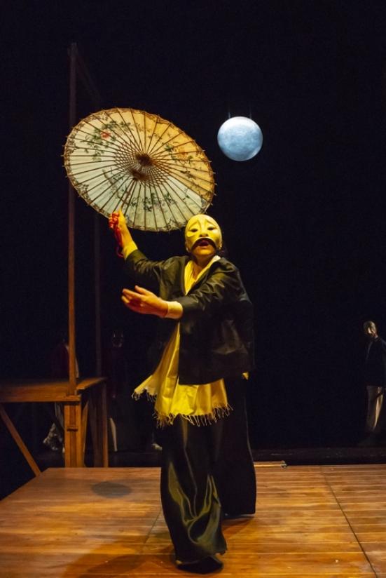 """Al Teatro Sanzio di Urbino """"L'anima buona di Sezuan"""", una parabola ironica ed amara sul bene e sul male"""