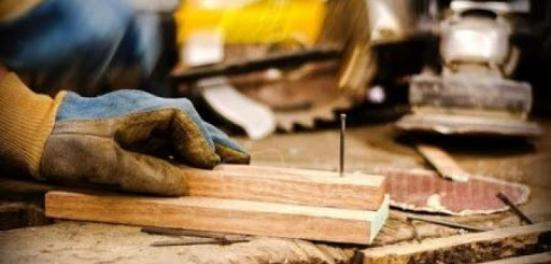 Cgil Pesaro e Urbino, venerdì sciopero generale del settore legno arredo industria