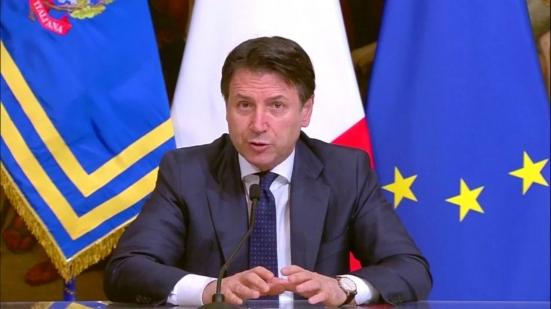 Conte annuncia la chiusura delle attività produttive non essenziali