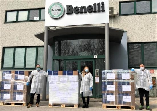 Emergenza Coronavirus, Benelli QJ dona due ventilatori polmonari e 4.500 tute a CRI e Marche Nord