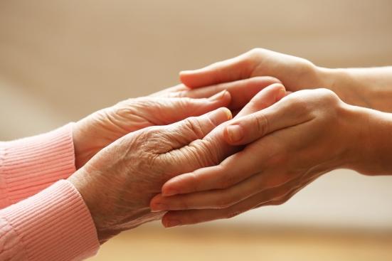"""""""Resto a casa, insieme restiamo"""": al via il programma regionale di sostegno alla popolazione anziana"""