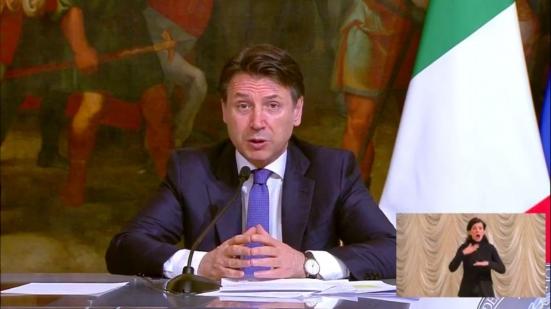 Conte annuncia 4,3 miliardi ai Comuni e fondi per aiutare le persone in difficoltà