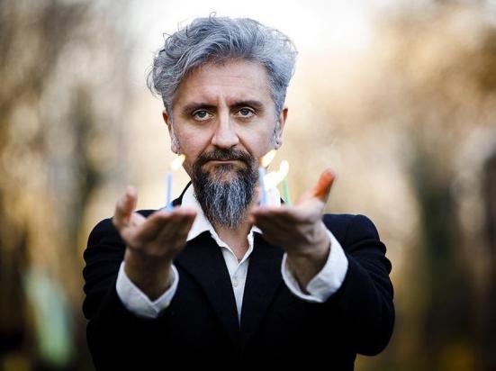 Con Ascanio Celestini a Pesaro il primo spettacolo teatrale in Italia dopo il lockdown