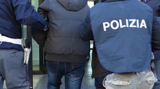 Due arresti per spaccio di stupefacenti a Fano, uno dei coinvolti era irregolare su territorio nazionale e aveva una pena detentiva di 6 anni