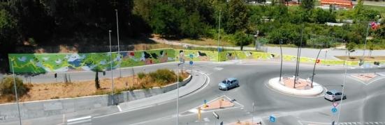 """""""Vita, il muro dell'età"""": 30 metri di murales realizzato da Nian per Santa Colomba - VIDEO"""