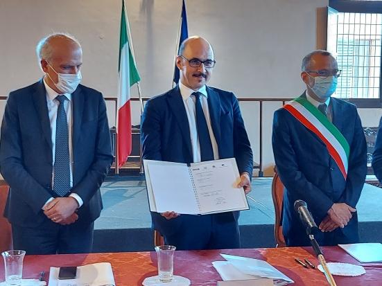 """""""Patto per la sicurezza urbana"""": il sindaco Ricci firma l'accordo con il vice ministro dell'Interno Mauri"""