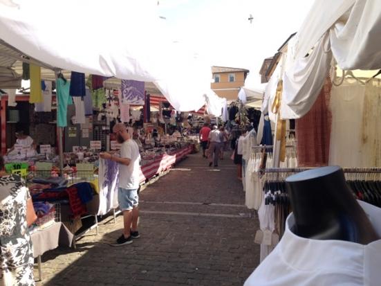 Come cambiano le norme anti-covid nel mercato cittadino a Fano