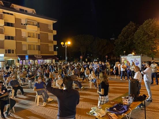 Chiusa a Montecchio la campagna elettorale di Biancani e Vitri: centinaia di persone presenti
