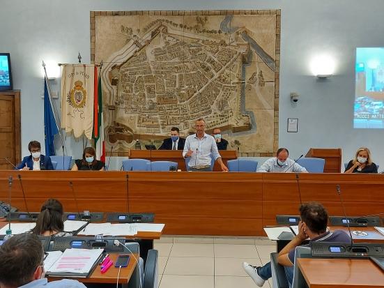 Consiglio comunale: a Pesaro tra le delibere approvate, l'acquisto delle aree ferroviarie in zona stazione e via dell'Acquedotto