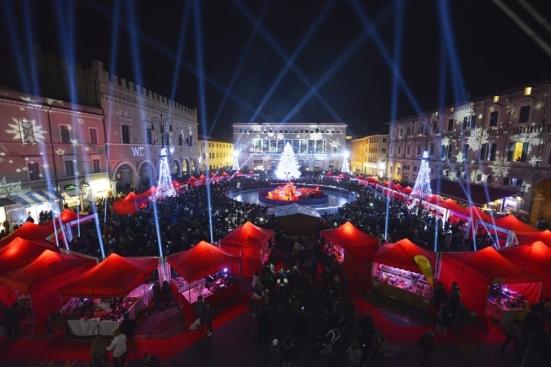 """""""Pesaro nel Cuore"""" non ci sarà: annullati mercatini, spettacoli e attività di intrattenimento"""