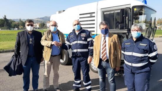 Aset dona una nuova spazzatrice meccanica per la pulizia dell'area Codma a Fano