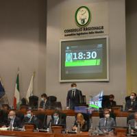 Addio ai nuovi ospedali unici nelle Marche: approvata ieri la risoluzione in Consiglio regionale
