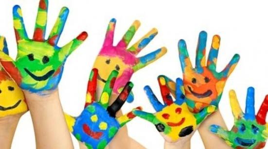 Giornata mondiale dei diritti dei bambini: domani via San Francesco e la fontana di piazzale Matteotti si illuminano di blu