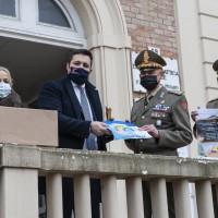 160 classi di Pesaro hanno donato 500 kg di materiale didattico ai bambini di Beirut