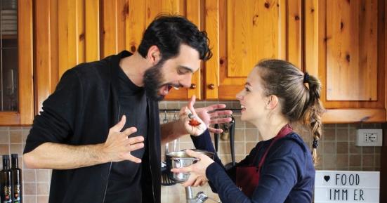 """Arriva """"La Cucina Parlante"""": nuovo appuntamento gastronomico con Elisa Prioli e Iacopo Fiorani"""