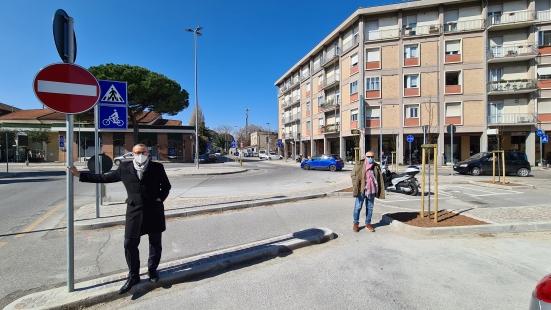 A Pesaro sono finiti i lavori alla rotatoria di Loreto: «Una viabilità più sicura»
