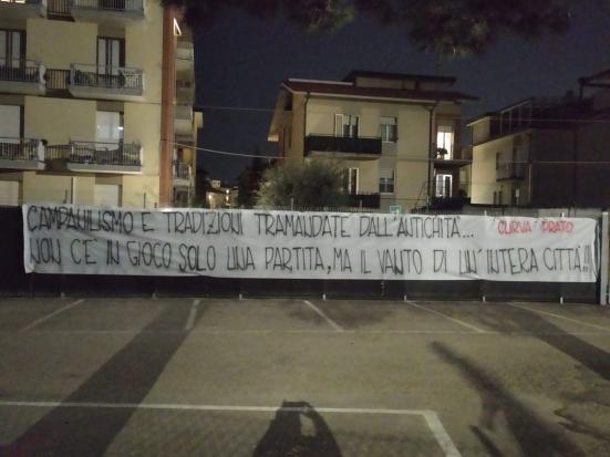 """""""Non c'è in gioco solo una partita, ma il vanto di un'intera città"""": la carica della Curva Prato in vista del derby"""