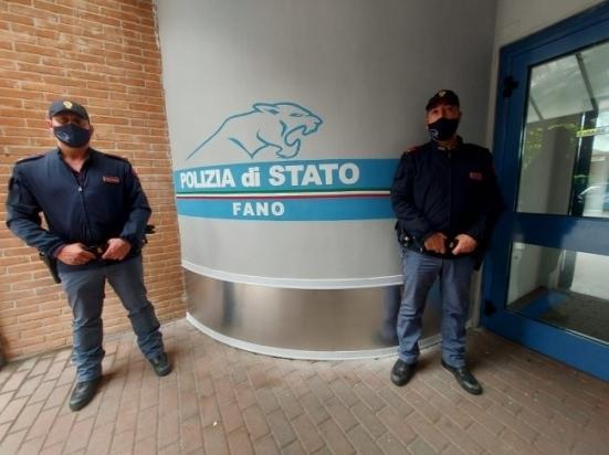 Fano, continuano i controlli degli edifici abbandonati: scovato bivacco abusivo in un immobile a Ponte Metauro