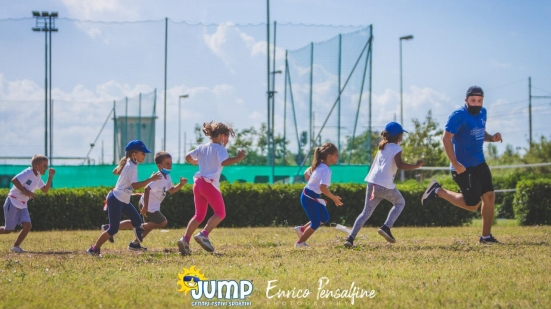 Escursioni, giochi negli spazi naturali e tanto altro: dal 7 giugno prendono il via i Centri Estivi Sportivi Jump