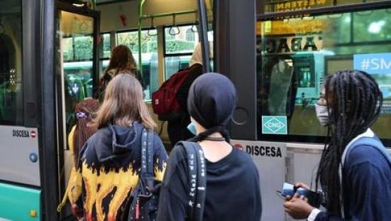 Da lunedì verrà potenziato il trasporto scolastico, garantita la presenza degli studenti al 70%