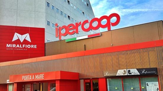 DASPO Urbani a Pesaro, tra Centro Commerciale Miralfiore e Piazza Redi vietati gli accessi a 6 persone