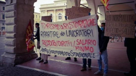 """Domani a Pesaro in Piazza del Popolo presidio """"contro lo sfruttamento dei lavoratori stagionali"""""""