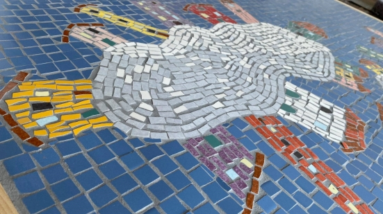 """I meravigliosi mosaici de """"I Fulminanti"""" in esposizione all'Ipogeo di Piagge, una mostra da non perdere"""