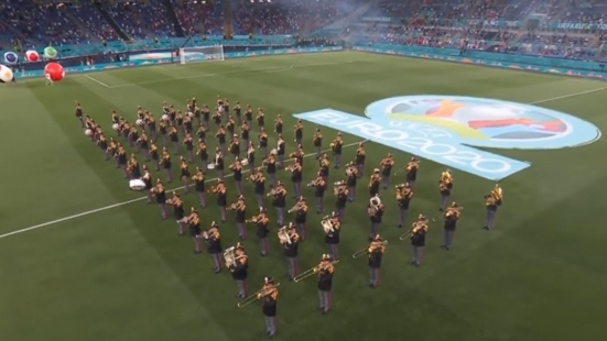 """Il """"Guglielmo Tell"""" di Rossini eseguito dalla banda musicale della Polizia ha inaugurato gli Europei - VIDEO"""