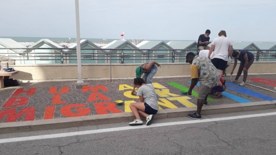 """""""Ricoloriamo l'opera di street art Black Lives Matter"""", appuntamento domani in lungomare Nazario Sauro"""