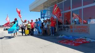 In corso un nuovo sciopero dei dipendenti della stazione di servizio autostradale Metauro Ovest di Marotta