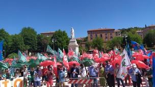 """Manifestazione dei sindacati, in 1000 da tutte le Marche: """"La Regione apra subito un confronto sulla sanità"""""""