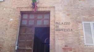 Sfruttamento della manodopera nel Montefeltro, udienza preliminare a Urbino: rinviati a giudizio cinque indagati