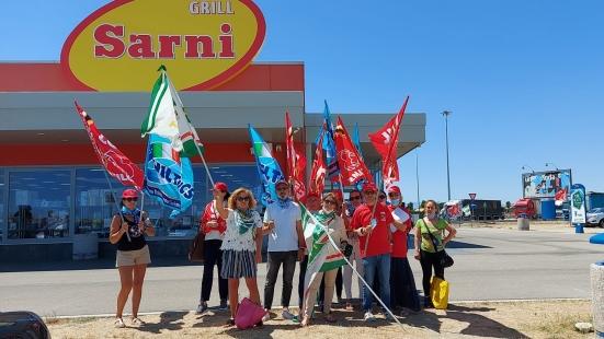 """""""La lotta paga"""", accordo raggiunto dai sindacati con la proprietà per il punto ristoro Metauro Ovest sulla A14"""