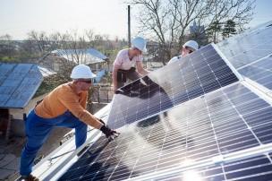 La Regione Marche mette a bando 3 milioni di contributi alle imprese e a comunità energetiche rinnovabili