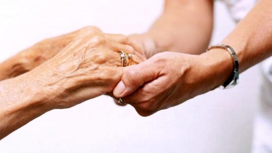 È stato riaperto il bando per gli assegni di cura per anziani non autosufficienti nell'ATS1