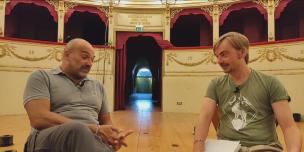 A teatro in libertà: la video-intervista a Gilberto Santini