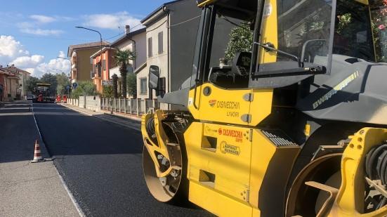 Sei chilometri di nuovi asfalti dalla rotatoria dell'Obi di Pesaro al cimitero degli inglesi a Montecchio